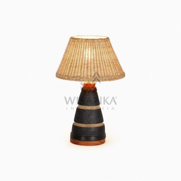 Pepa Natural Rattan Craft Table Lamp on
