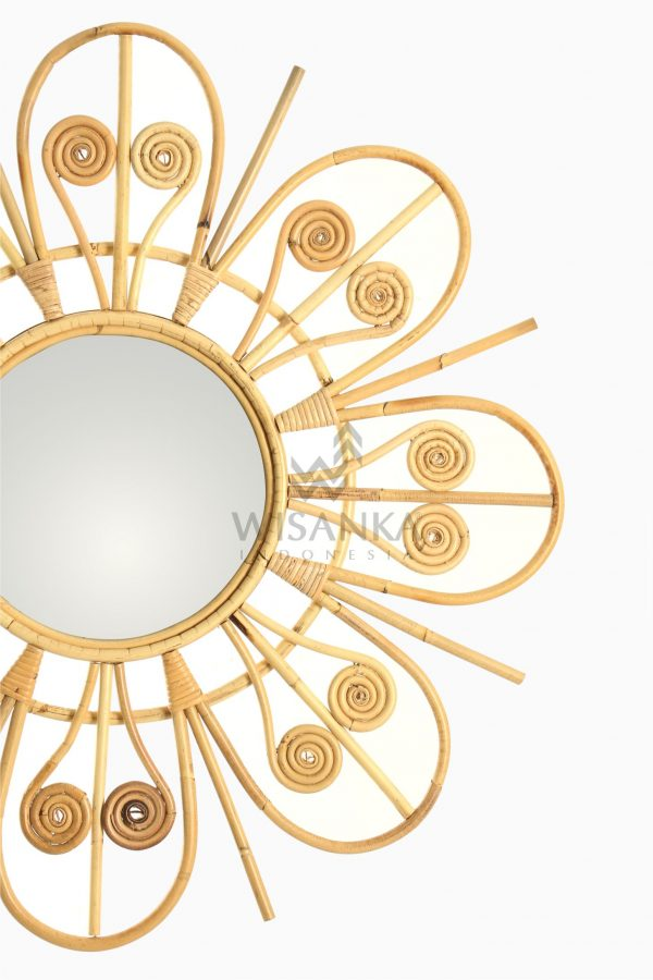 Asta Wicker Rattan Mirror detail